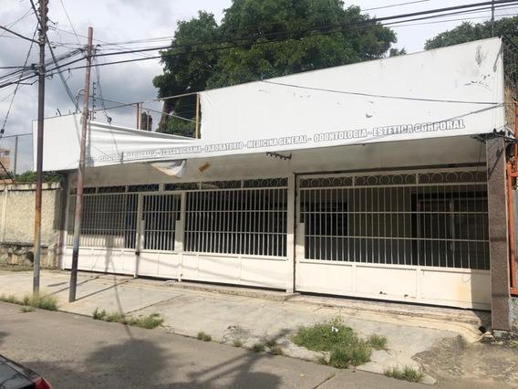 Local En Comercial En Av Bolivar, 0241-8239522 Código 434263