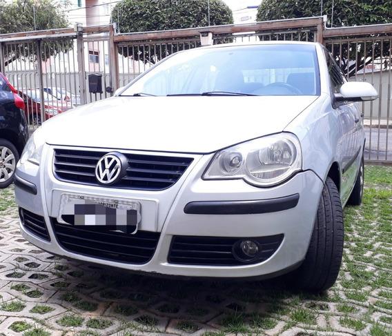 Volkswagen Polo Sedan Comfortline 1.6 8v I-motion 2010