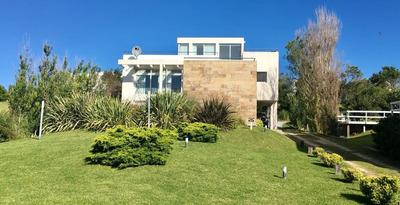 Excelente Casa En Carilo Mirador Al Mar