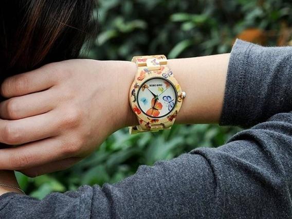 Relógio De Bamboo Com Borboletas