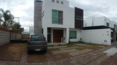 Casa En Venta Residencial La Piedra, Con Terreno Excedente