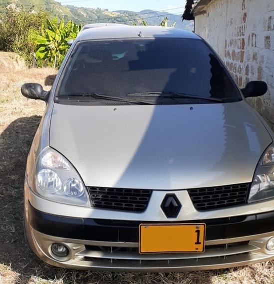 Renault Clio Modelo 2003 Color Beige