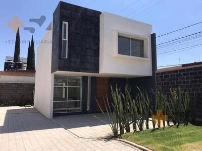 Casa En Pre Venta Fracc. Residencial A 5 Minutos De Peri Plaza