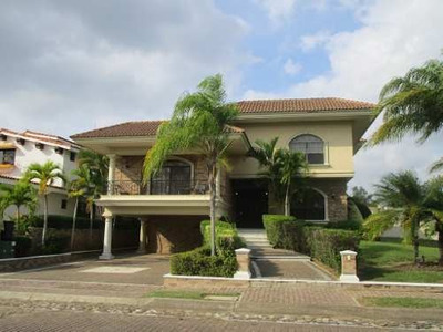 Casa Amueblada En Renta En Residencial Miralta, Altamira