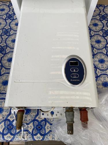 Caldereta A Gas Para Agua Caliente 10 Litros Ariston