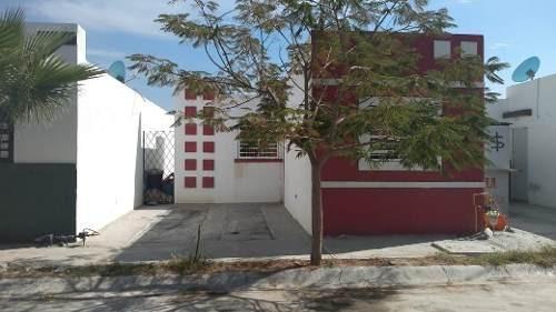 Casa En Venta En Garcia Santa Monica Residencial