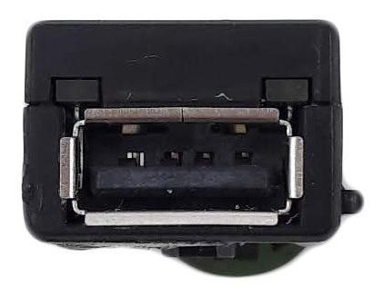 Conector Usb Porta Vw Golf Passat 2013-16 - 5q0035726 - Yoa