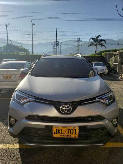Toyota Rav4 4x2 2017 Plata Metalico 4 Puertas