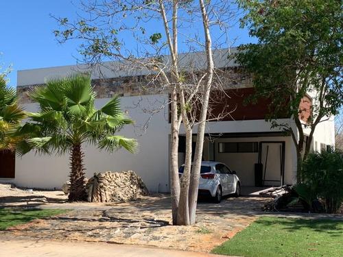 Imagen 1 de 15 de Casa En Venta En Yucatán Country Club,mérida