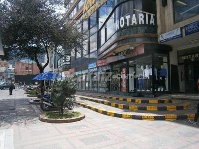 Venta Parqueadero Ubicado Centro Comercial Lourdes