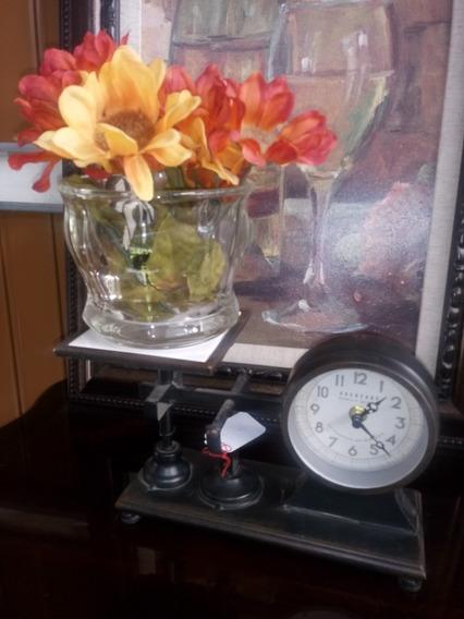 *-* Reloj De Mesa En Forma De Bascula Antigua *-*