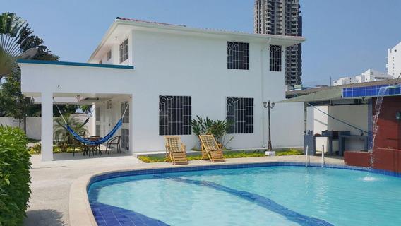 Tonsupa Casa Alquiler O Venta / Sector Club Del Pacifico