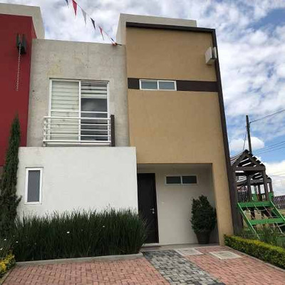 Casa Habitación En Venta, En Toluca Estado De México