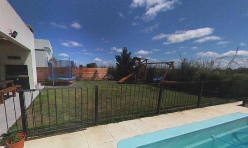 Tigre - Casas De Santa Maria U$s 179.000 -   4dorm - Pileta