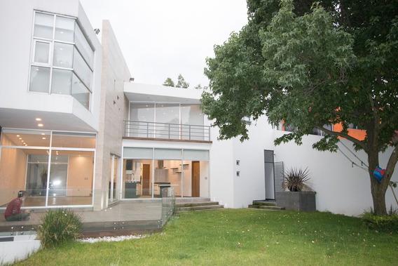 Venta De Casa Con 4 Habitaciones Y Jardin En Pedregal