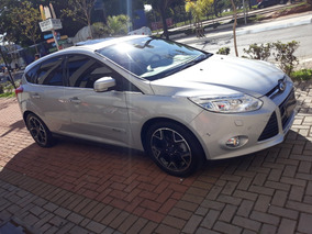 Focus Hatch Titanium Plus 2.0 Top Linha Teto + Xenon
