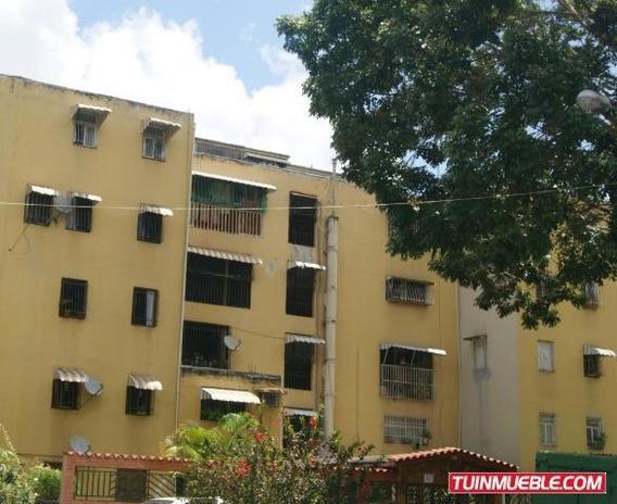 Gina Briceño Vende Apartamento En Caricuao - 19-17011
