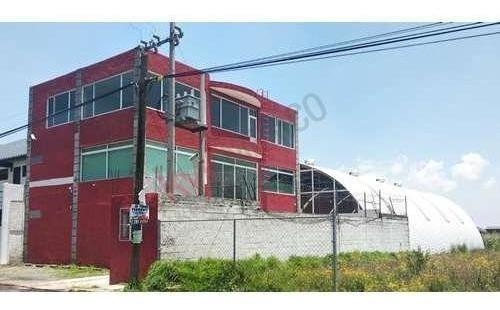 Nave Industrial Con Oficinas En Excelente Ubicación En Metepec