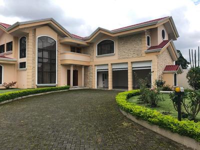 Se Vende Casa En Residencial Altamonte, Curridabat