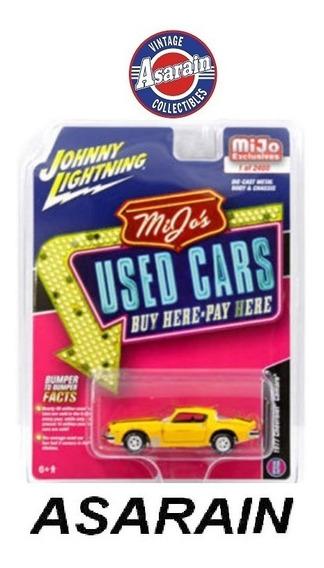Chevrolet Camaro Bumblebee Transformer Johnny Lightning 1/64