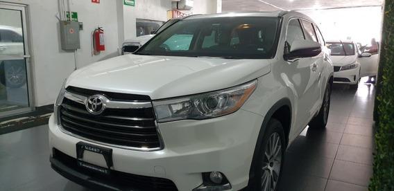 Toyota Highlander Limited V6 2016