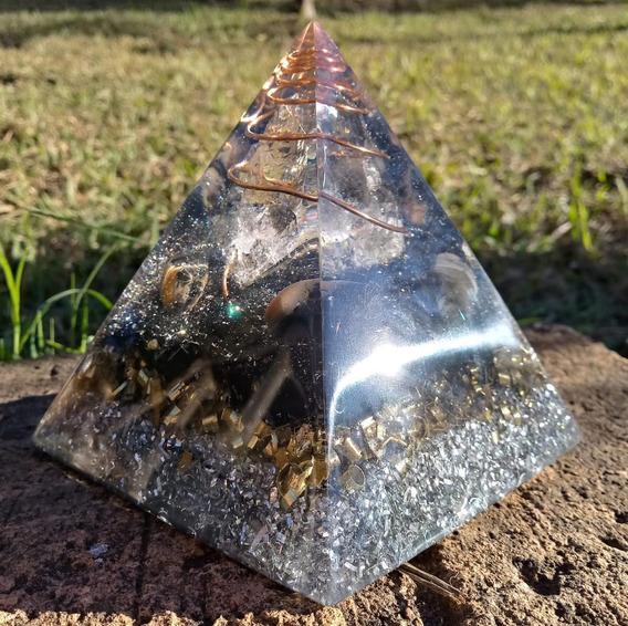 Orgonite Piramide Cristal Turmalinas Negras E Ônix