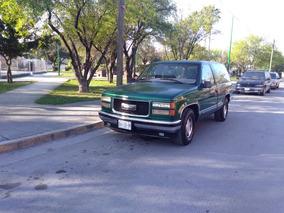 Chevrolet Silverado Pickup Silverado 2500 Custom 4vel Mt