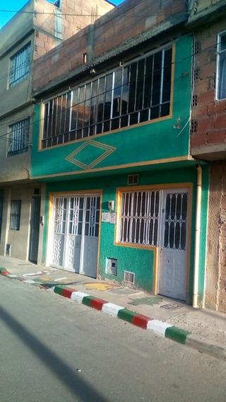 Casa Con 3 Apartamentos Un Local Y Media Terraza Construida