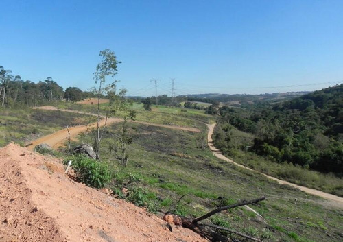 L.o* Terreno Documentado Em Ibiúna