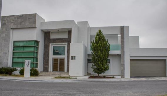 Hermosa Y Amplia Casa Con Alberca En Renta Al Norte De Saltillo