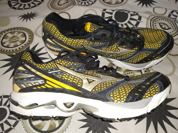 Mizuno Wave Ultima 3