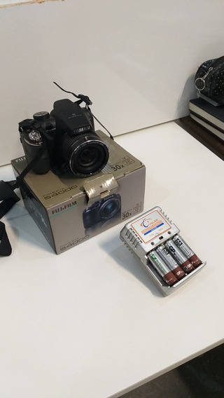 Maquina Fotográfica Fujifilm S4000