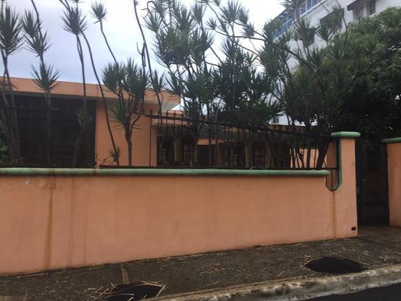 Casa Solar Consta Verde Av. Independencia De 3 Habitaciones