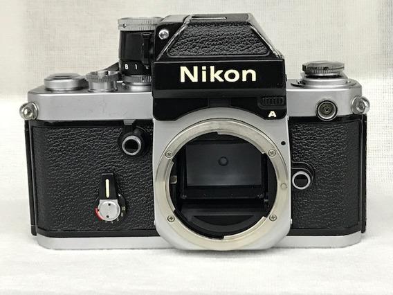 Câmera Nikon F2 (corpo) Analógica.