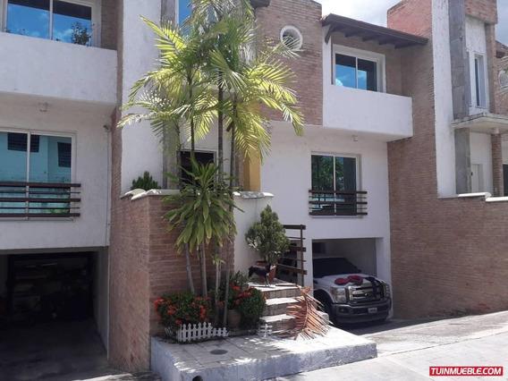 Townhouses En Venta 04243243678