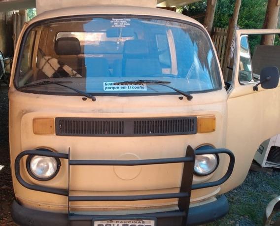 Volkswagen Modelo Kombi Baú