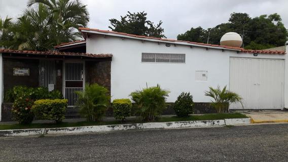 Casas En Venta En Chucho Briceño Cabudare, Lara Rahco
