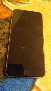 Celular iPhone 6s Color Gris 64gb