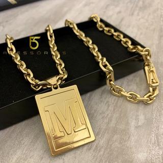 Cordão Cadeado 8mm Com Pingente De Letra Banhado A Ouro 70cm