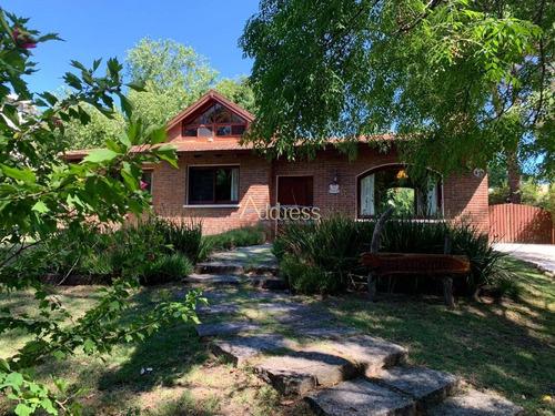 Muy Linda Casa Disponible En Alquiler De Temporada Y Anual- Ref: 3055