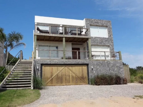 Casa En Venta El Chorro 4 Dorm, 500 M2 #1609