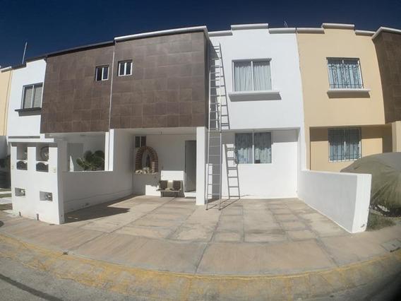 Casa Sola En Venta Casa En Céntrica Privada Con Áreas Verdes. Gran Ubicación.