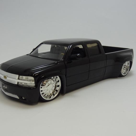 Miniatura Chevy Silverado Dooley 1999 Preto Jada Toys 1/24