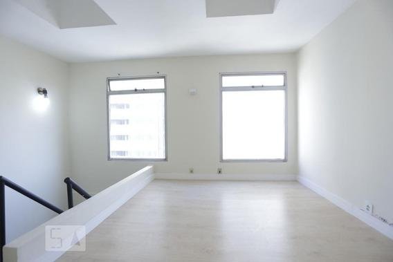 Apartamento No 13º Andar Com 2 Dormitórios E 1 Garagem - Id: 892982674 - 282674