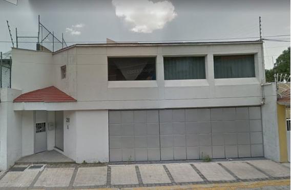 Amplia Casa En Mayorazgos Del Bosque