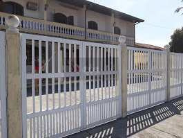 Casa De Condomínio Com 2 Dorms, Jardim Britânia, Caraguatatuba - R$ 300 Mil, Cod: 660 - V660