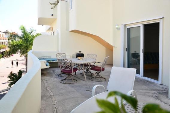 Condominio En El Centro De Playa Del Carmen Ubicado En La 5ta Avenida 3 Recamaras 3 Baños Playa Del