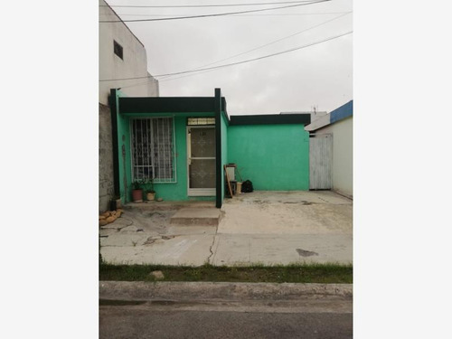 Imagen 1 de 7 de Casa Sola En Venta Valle De Huinala