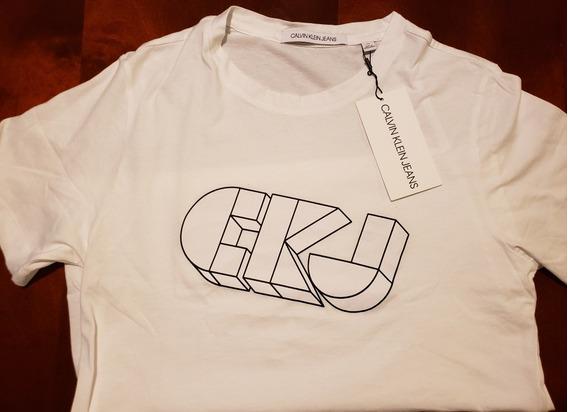 Camiseta Calvin Klein (nueva Y Original)