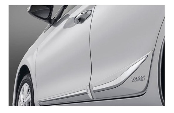Friso Yaris Sedan Inferior Crom. Original Toyota Pv170-0d030